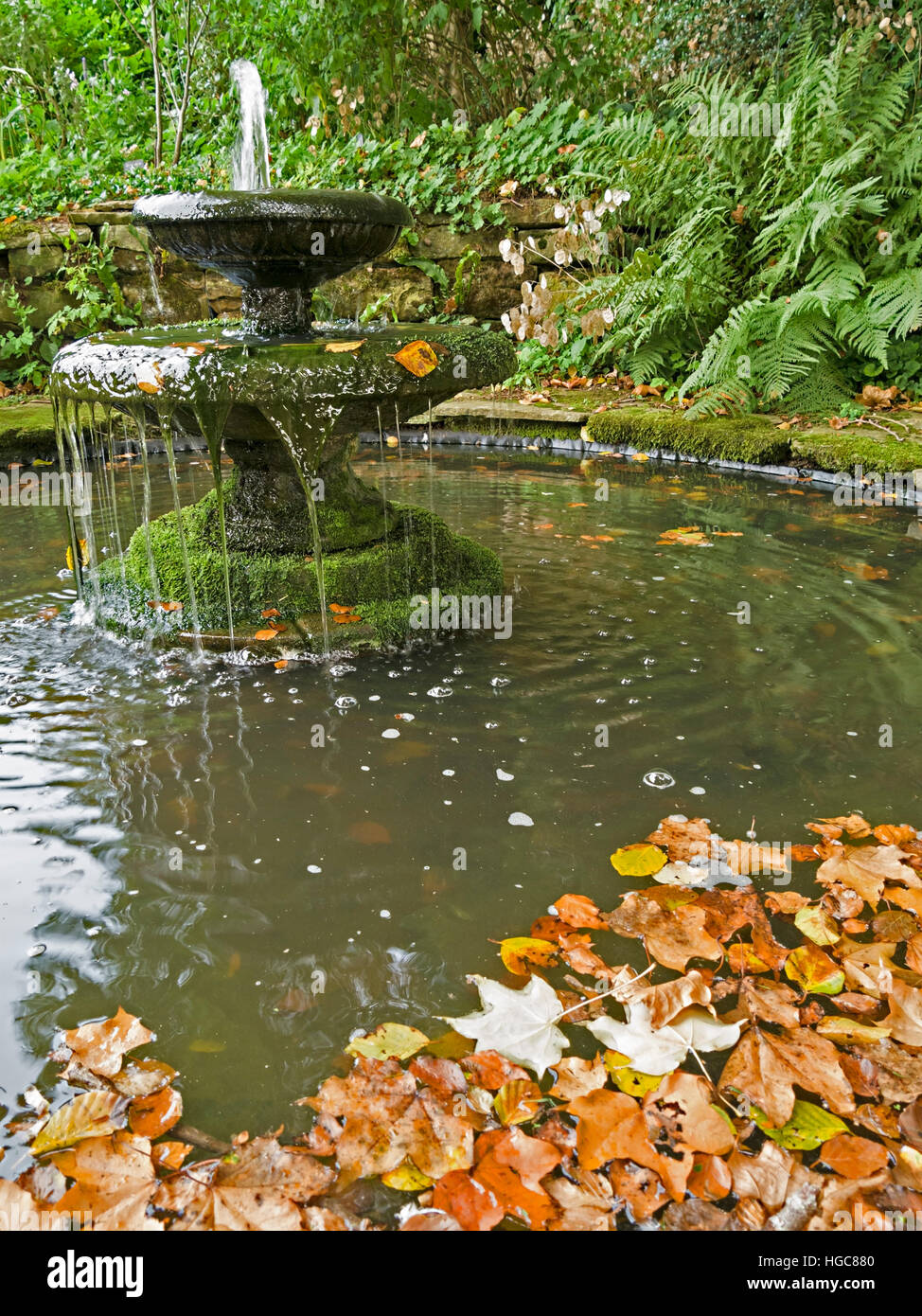 Garden Pond And Water Feature Stock Photos & Garden Pond And Water ...