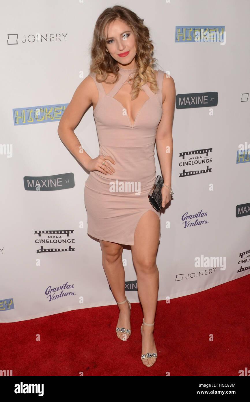 Jennifer Finnigan Feet gravitas stock photos & gravitas stock images - alamy