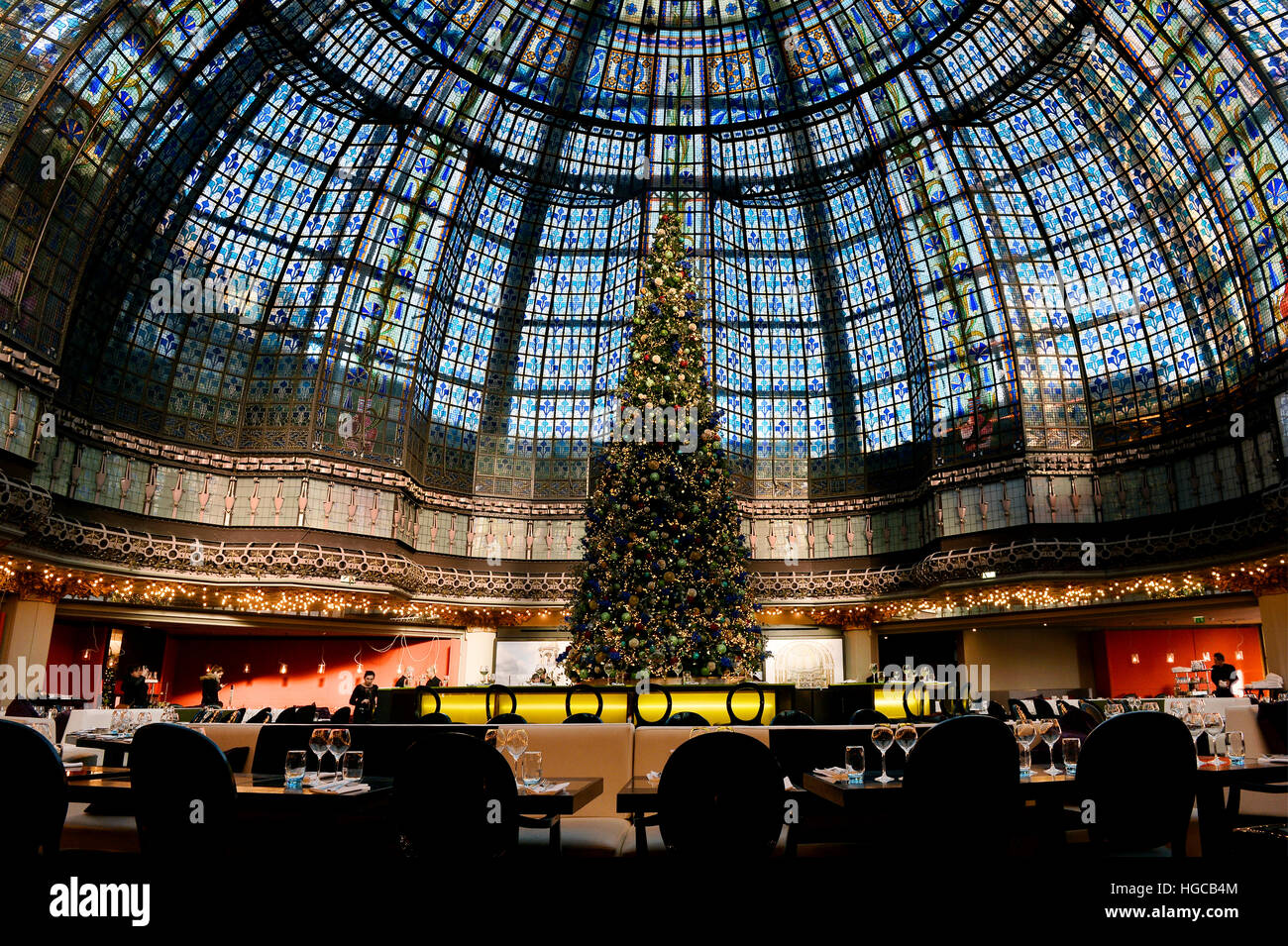 Glass roof in Le Printemps / Haussmann, Paris, France - Stock Image