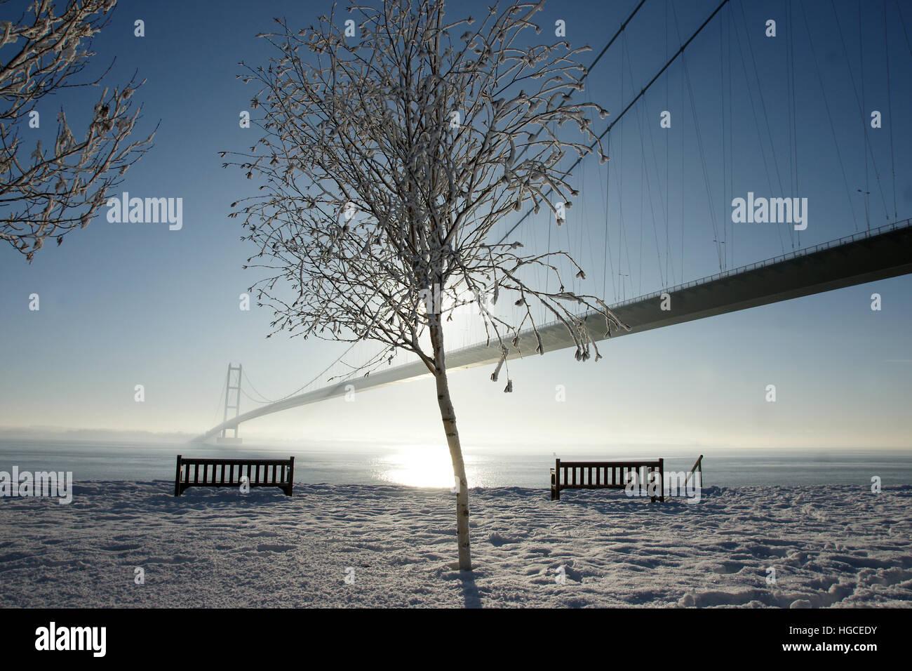 snow, humber bridge, Hessle East yorkshire - Stock Image