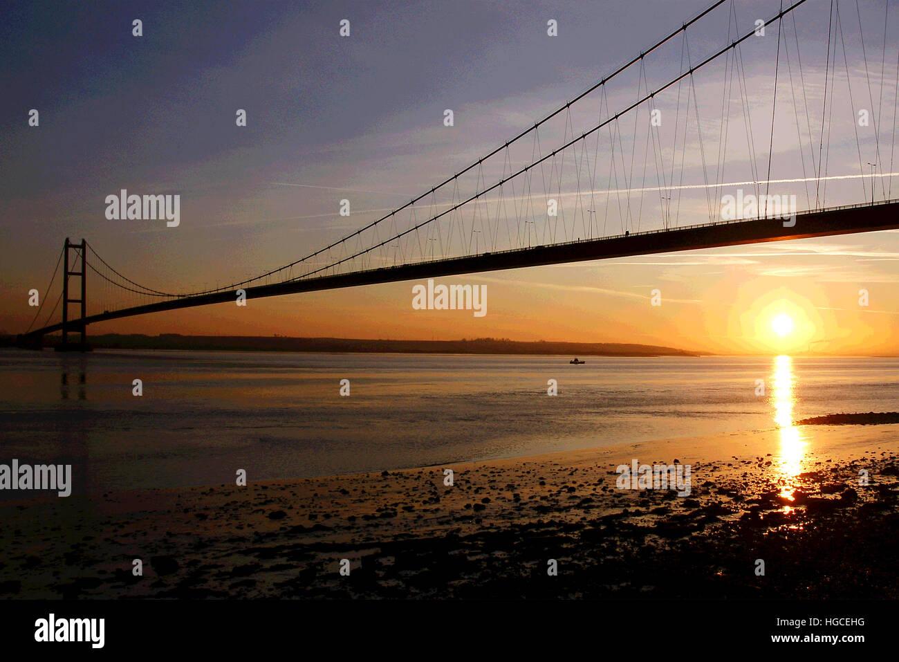 sunset, Humber bridge, Hessle, east Yorkshire - Stock Image