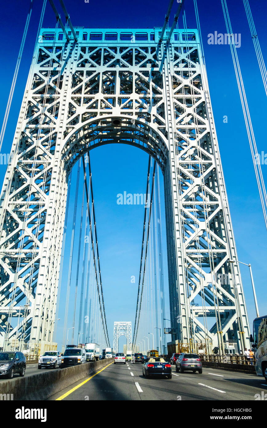George Washington Bridge. Going East on the Upper Level from Fort Lee, New Jersey to Washington Heights, Manhattan - Stock Image