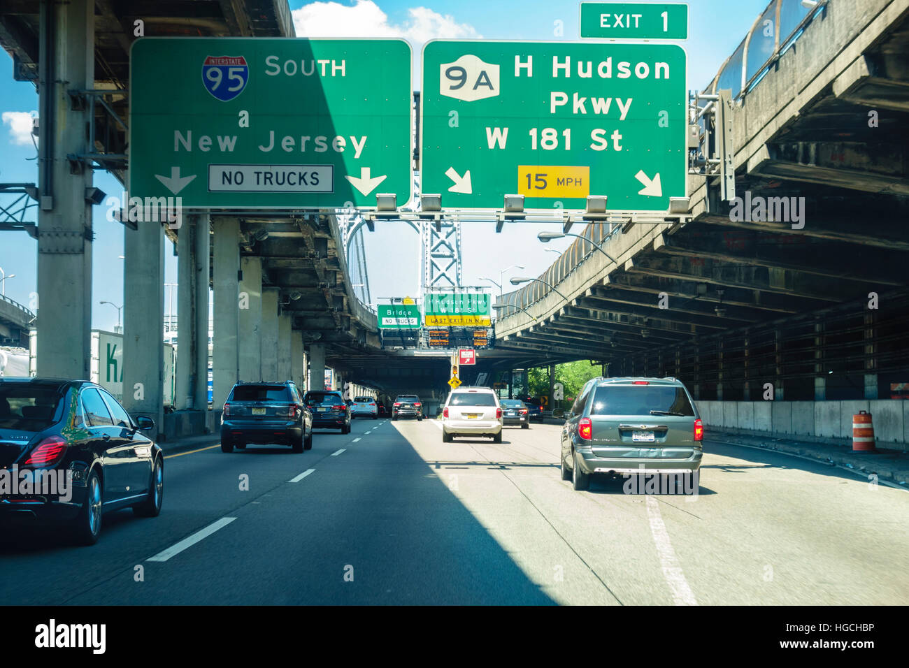 George Washington Bridge. Going West from Manhattan to Fort Lee New Jersey on the Lower Level aka Martha. - Stock Image