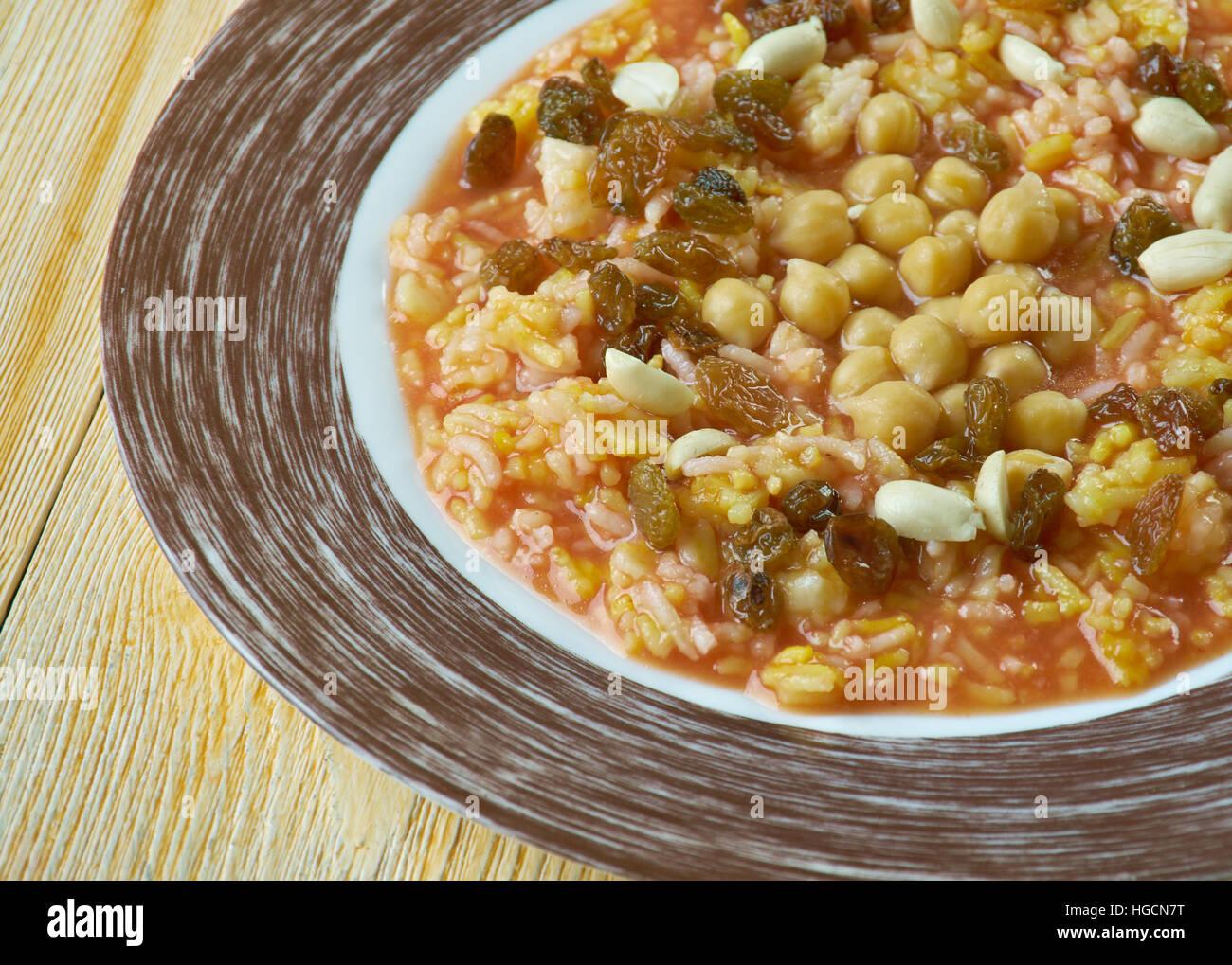 Egyptian rice with nuts and raisins: Ruz bil khalta - Stock Image