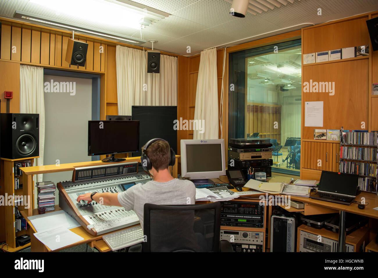 Deutschland, Nordrhein-Westfalen, Kreis Borken, Heek-Nienborg, Landesmusikakademie NRW (LMA), Tonstudio - Stock Image