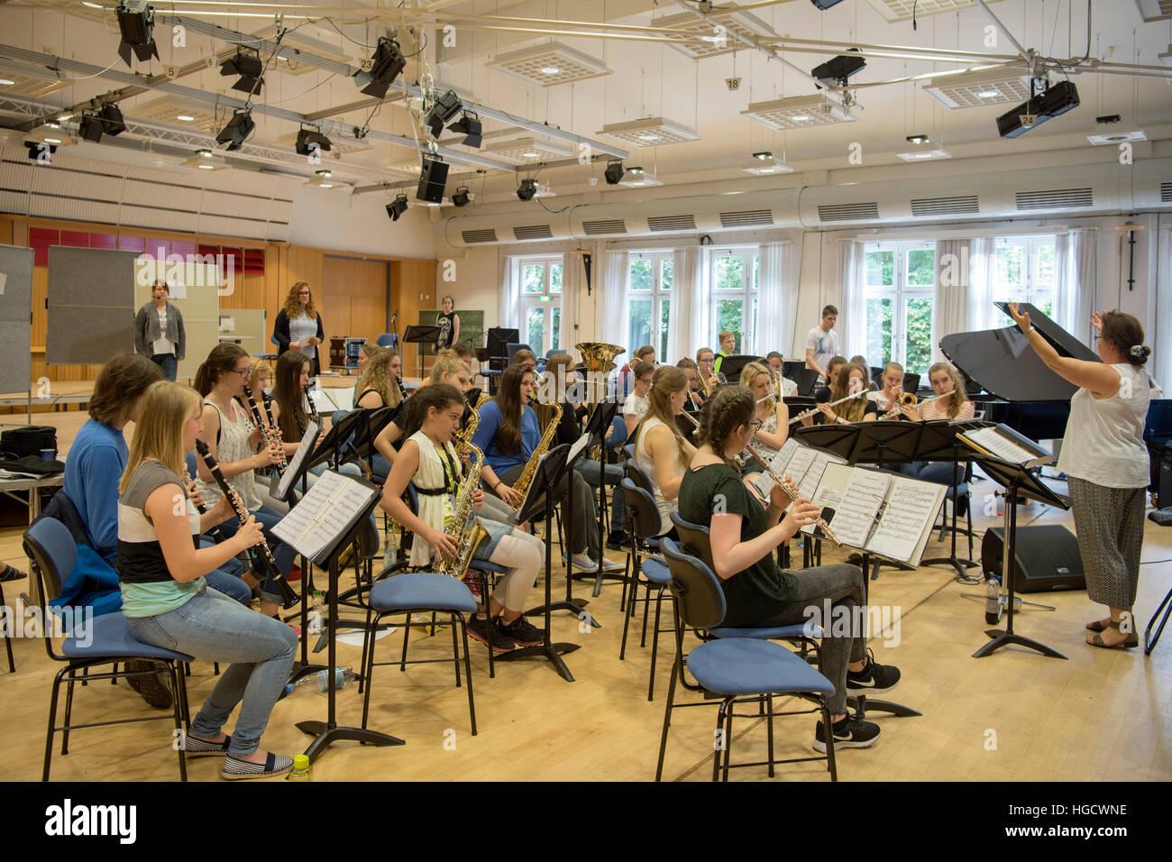 Deutschland, Nordrhein-Westfalen, Kreis Borken, Heek-Nienborg, Landesmusikakademie NRW (LMA), Probebetrieb im Konzertsaal - Stock Image
