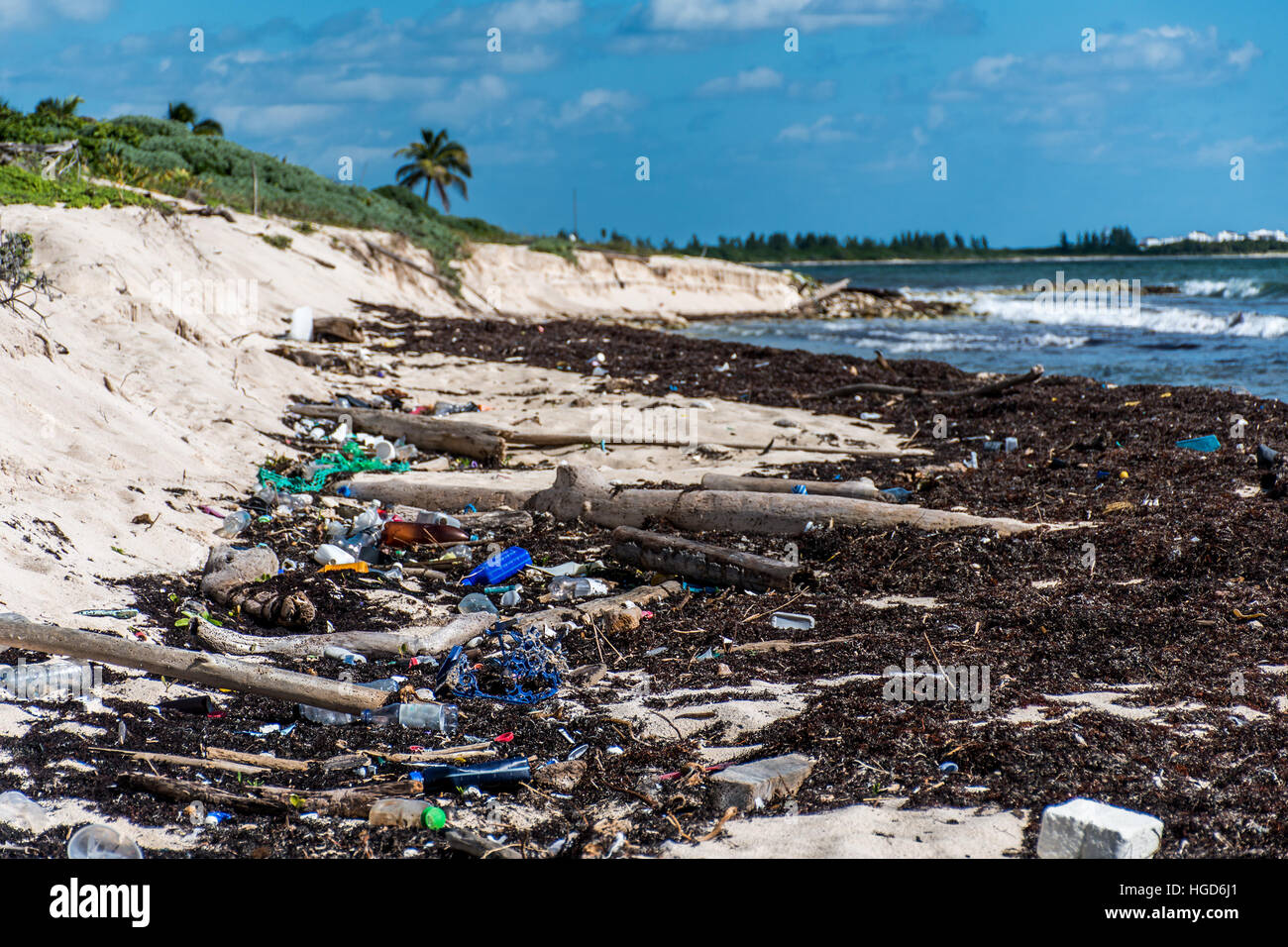 Mexico Coastline ocean Pollution Problem with plastic litter - Stock Image
