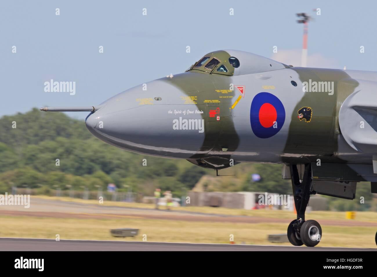 Avro Vulcan B2 Bomber XH558 landing at RAF Fairford - Stock Image