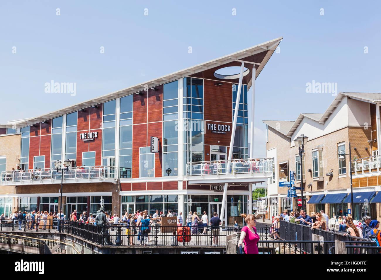 Wales, Cardiff, Cardiff Bay, Mermaid Quay, Waterfront Restaurants - Stock Image