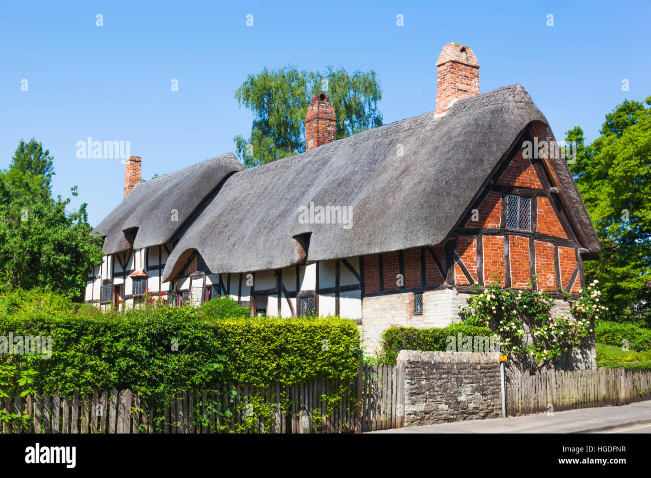England, Warwickshire, Cotswolds, Stratford-Upon-Avon, Anne Hathaway's Cottage - Stock Image
