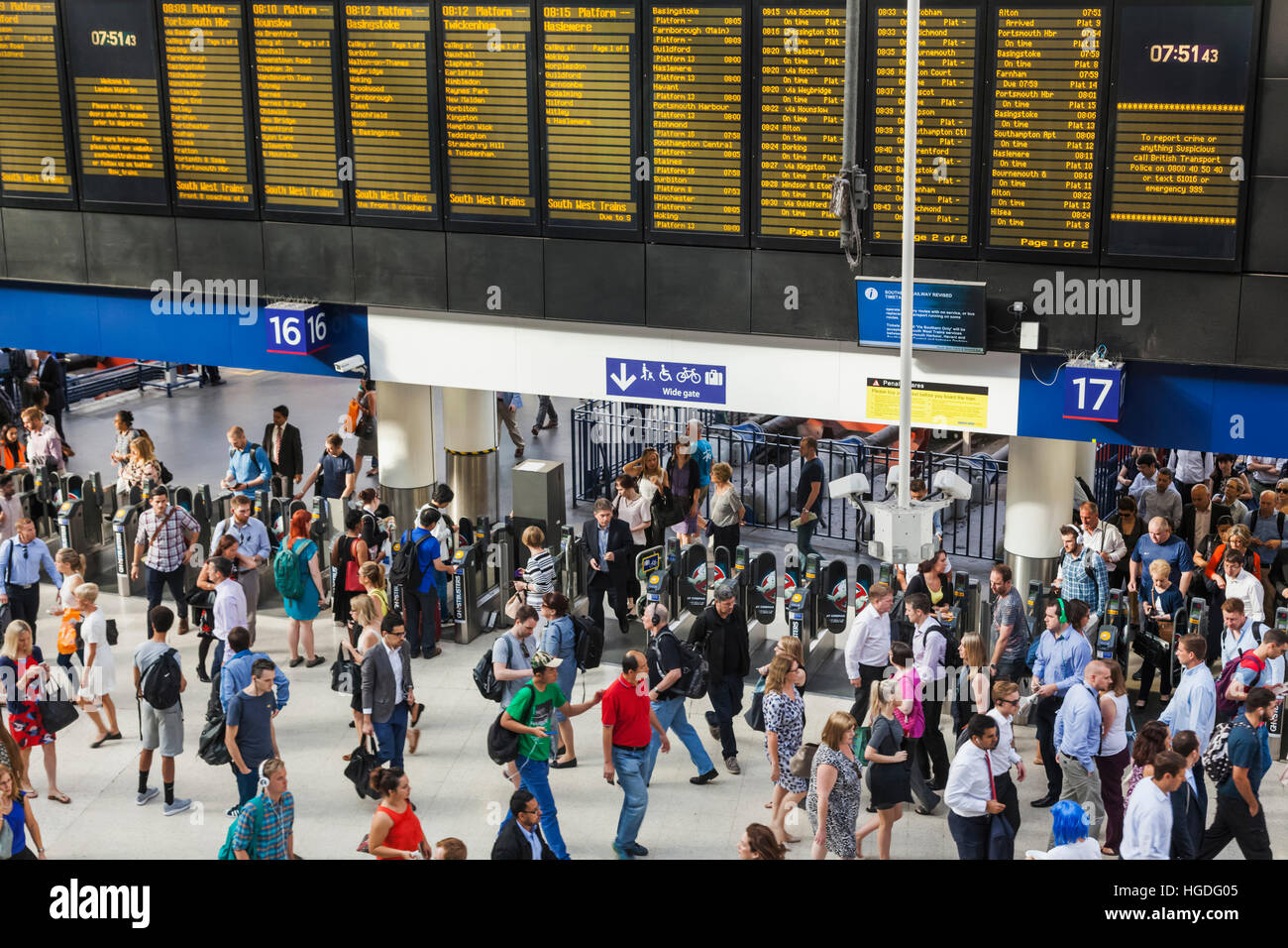 England, London, Waterloo Station, Commuters - Stock Image
