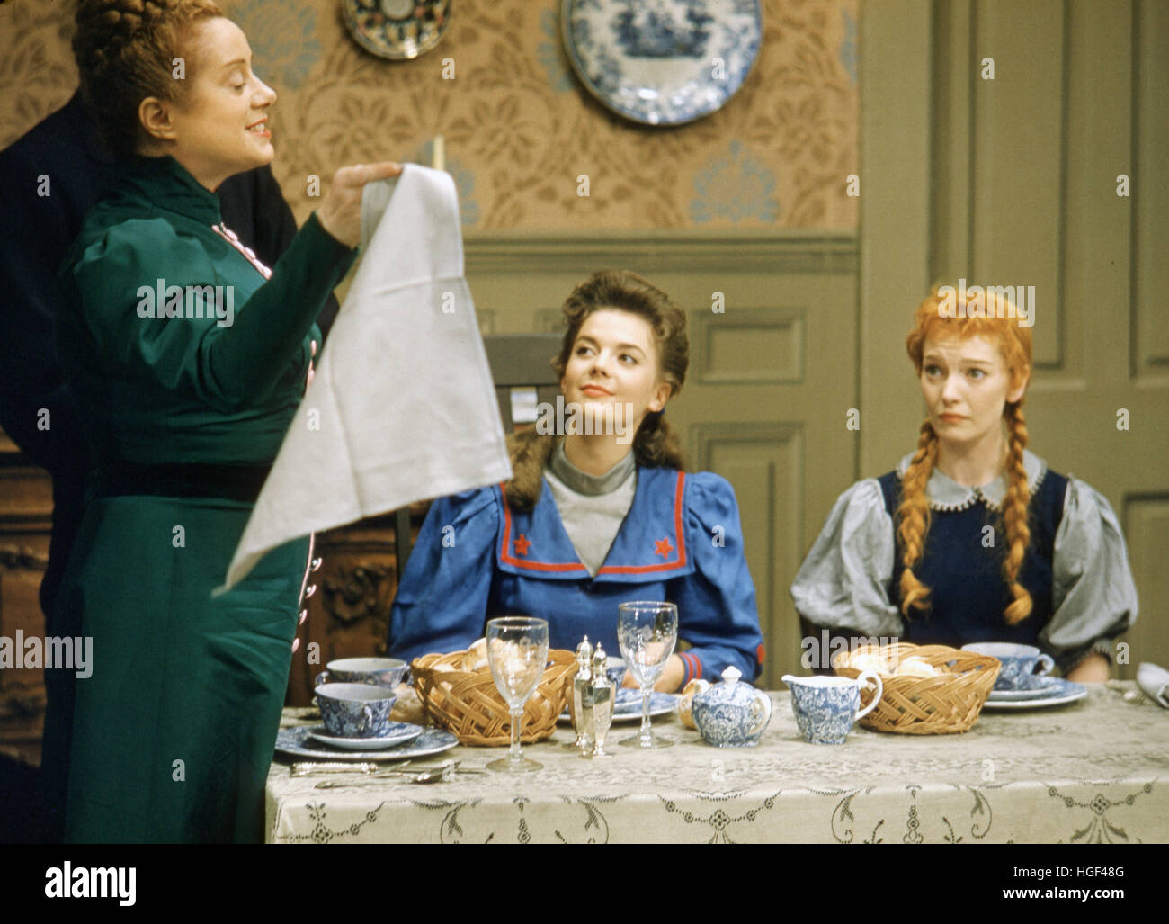 Elsa Lanchester (standing), Natalie Wood, and Jeannie Carson, in the 1955 Max Liebman television production of Heidi. - Stock Image