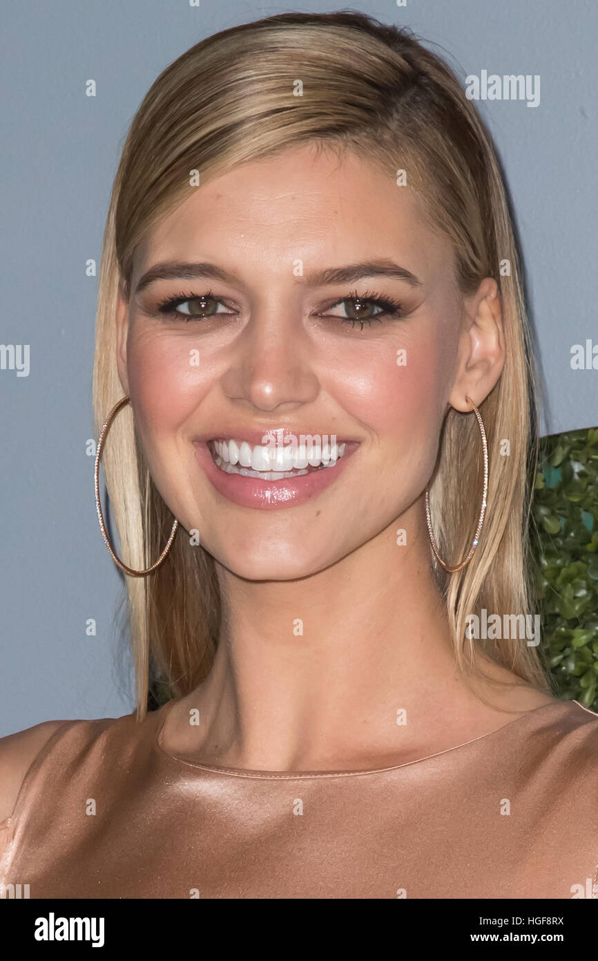 Young Kelly Rohrbach nude (64 photo), Tits, Leaked, Twitter, braless 2015