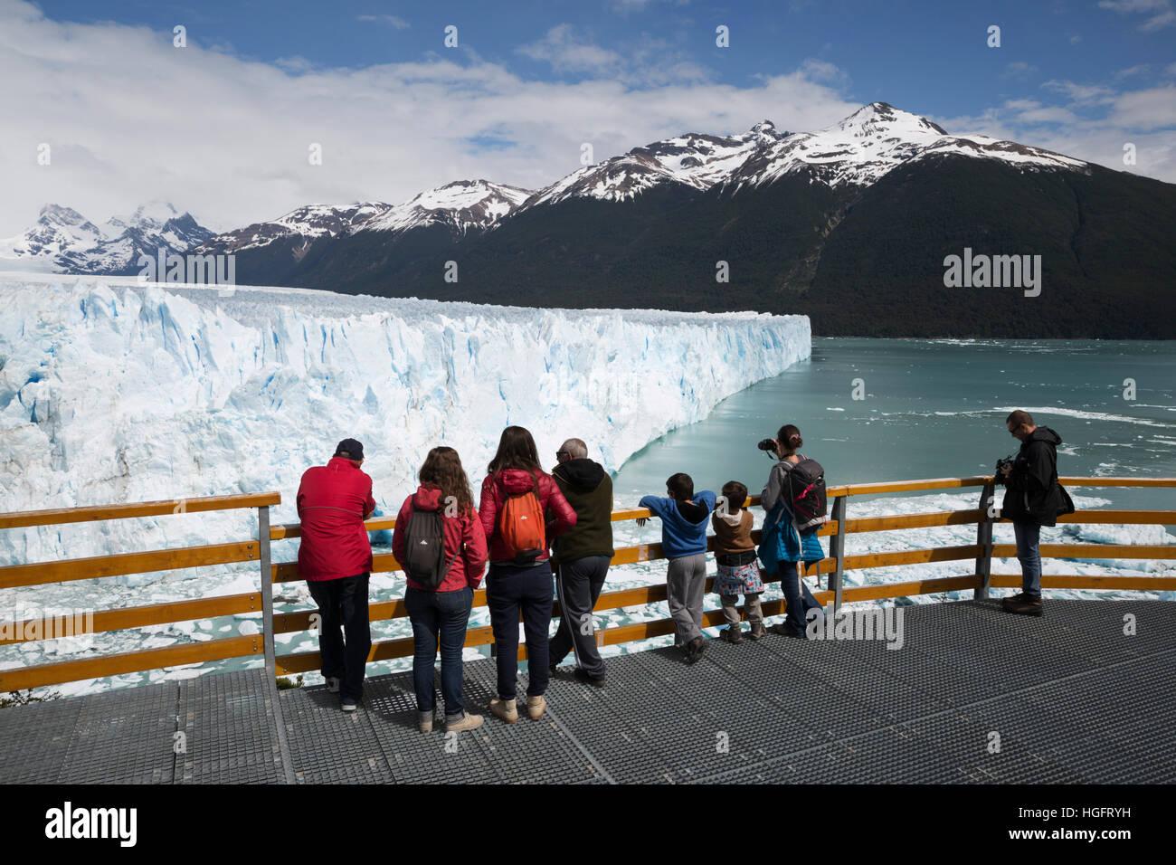 Perito Moreno Glacier on Lago Argentino, El Calafate, Parque Nacional Los Glaciares, Patagonia, Argentina, South - Stock Image