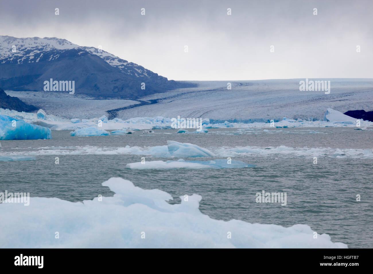 Upsala Glacier and icebergs on Lago Argentino, El Calafate, Parque Nacional Los Glaciares, Patagonia, Argentina, - Stock Image