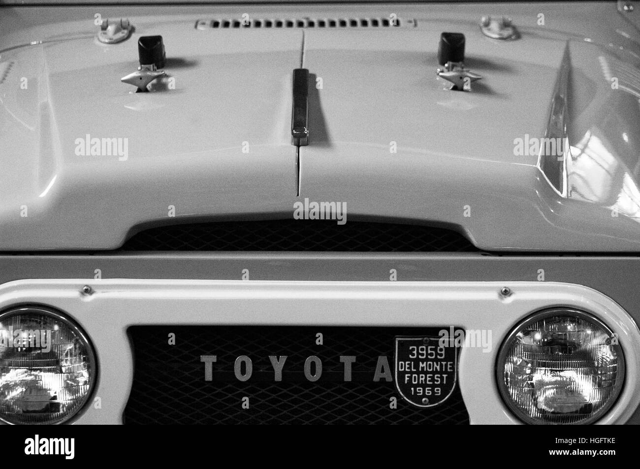 Photo Toyota Land Cruiser Bj40 Year 1960 1975 1984 Stock 1960s Jeep