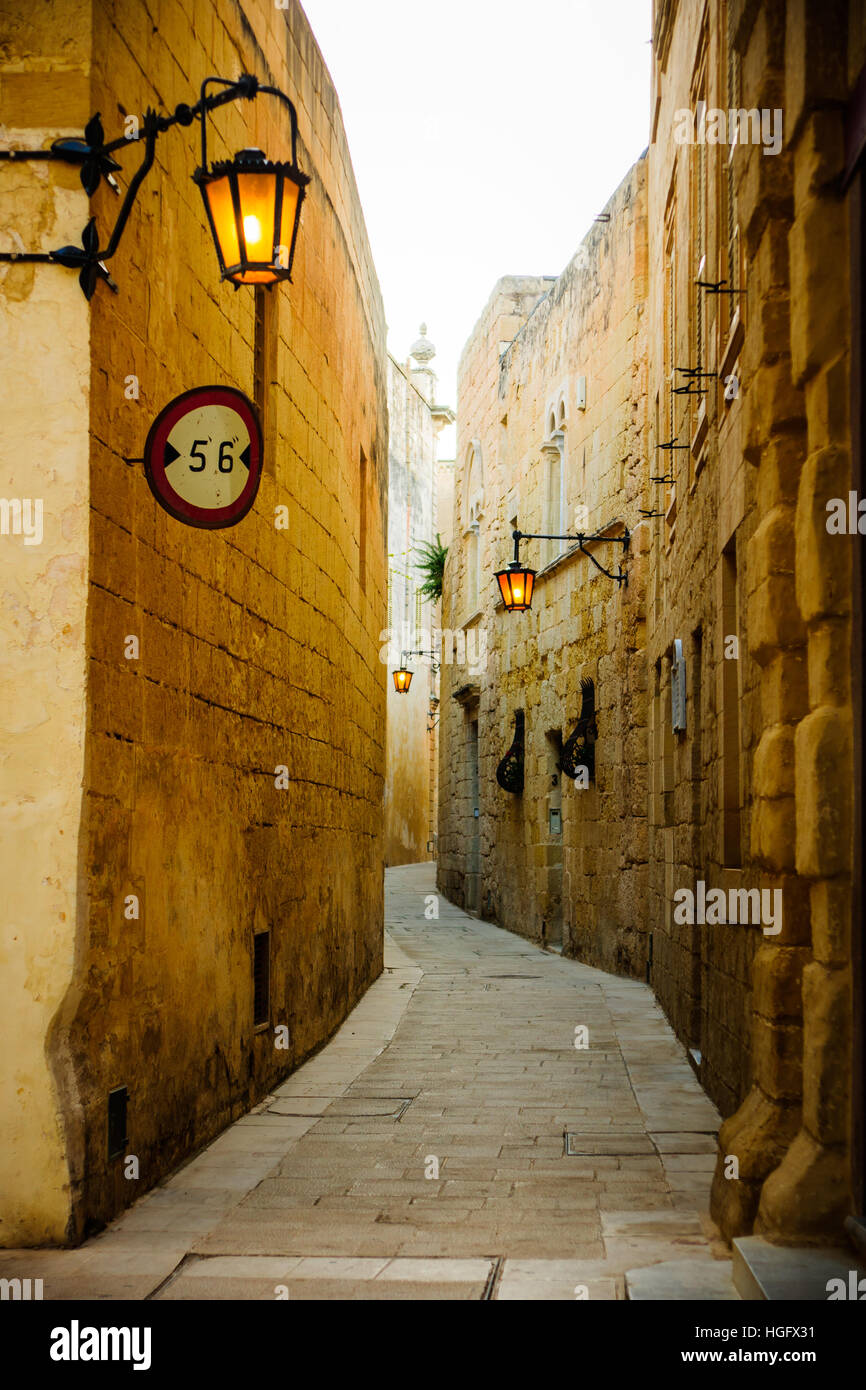 An alley in the old city of Mdina, Malta - Stock Image