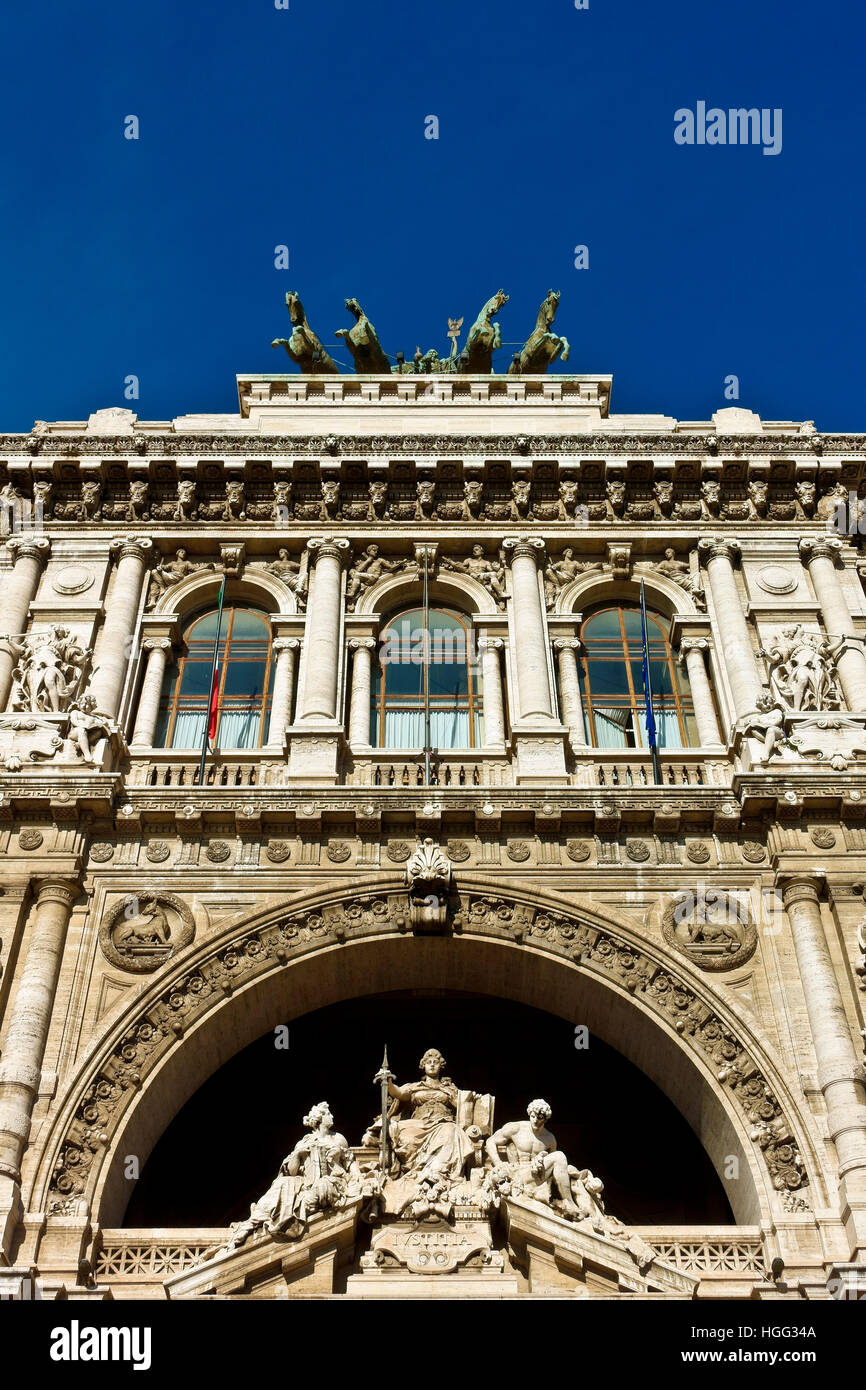 Italian Supreme Court of Cassation (Corte di Cassazione), Palace of Justice, Courthouse. Renaissance, bronze quadriga. - Stock Image