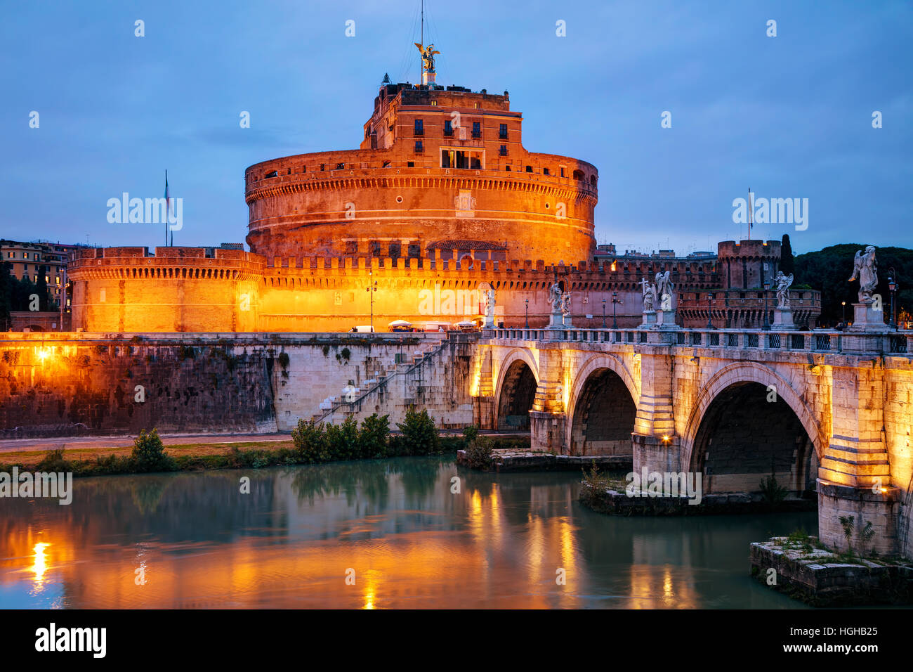 The Mausoleum of Hadrian (Castel Sant'Angelo) in Rome at night - Stock Image