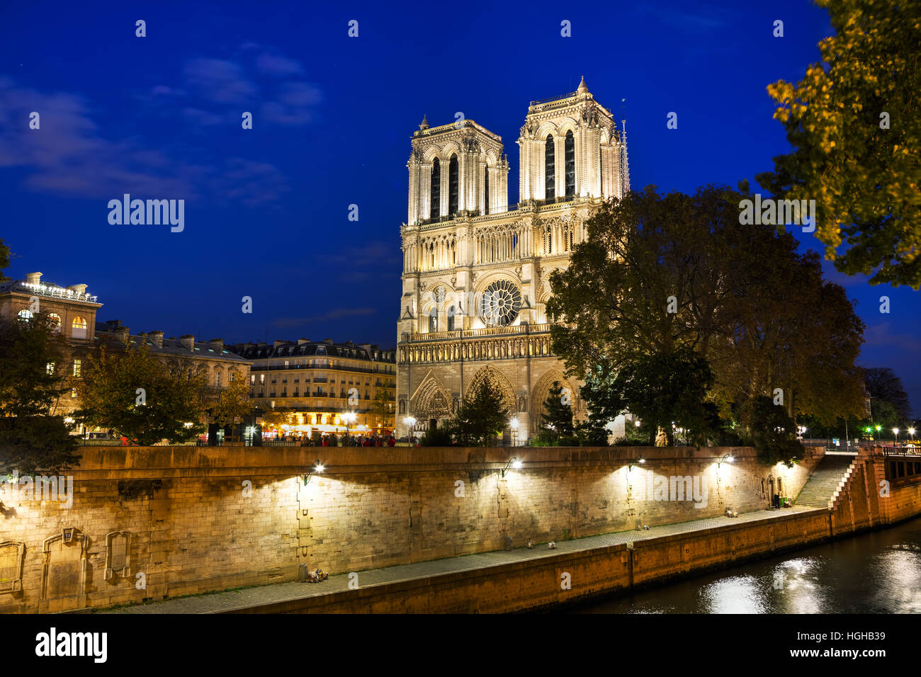 Notre Dame de Paris cathedral at night - Stock Image