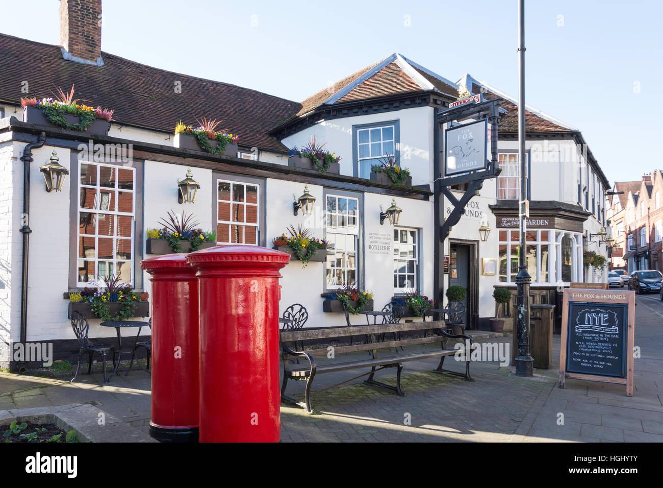 The Fox & Hounds Pub, High Street, Lyndhurst, Hampshire, England, United Kingdom - Stock Image