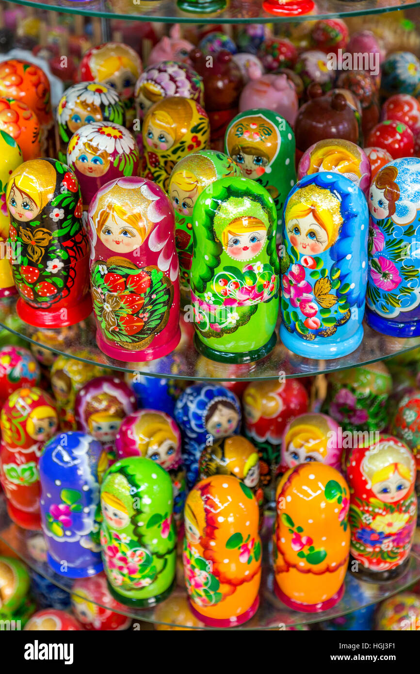 Matryoshkas, Russian nesting dolls on display in a shop, in the Old Town, Prague, Czech Republic. - Stock Image