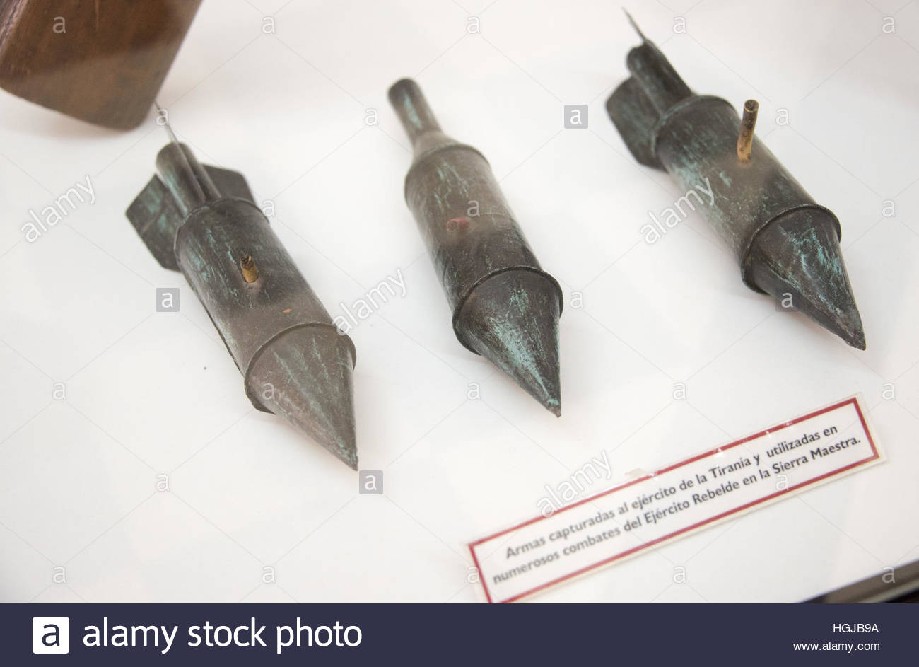 Cuban history: Exhibition of historical war weapons which were used by the Rebel Army in the 'Sierra Maestra' - Stock Image