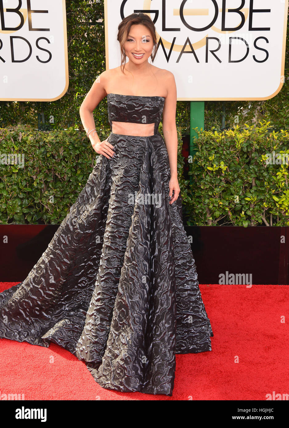 Los Angeles, USA. 08th Jan, 2017. Jeannie Mai 563 arriving at the 74th Annual Golden Globe Awards at the Beverly - Stock Image