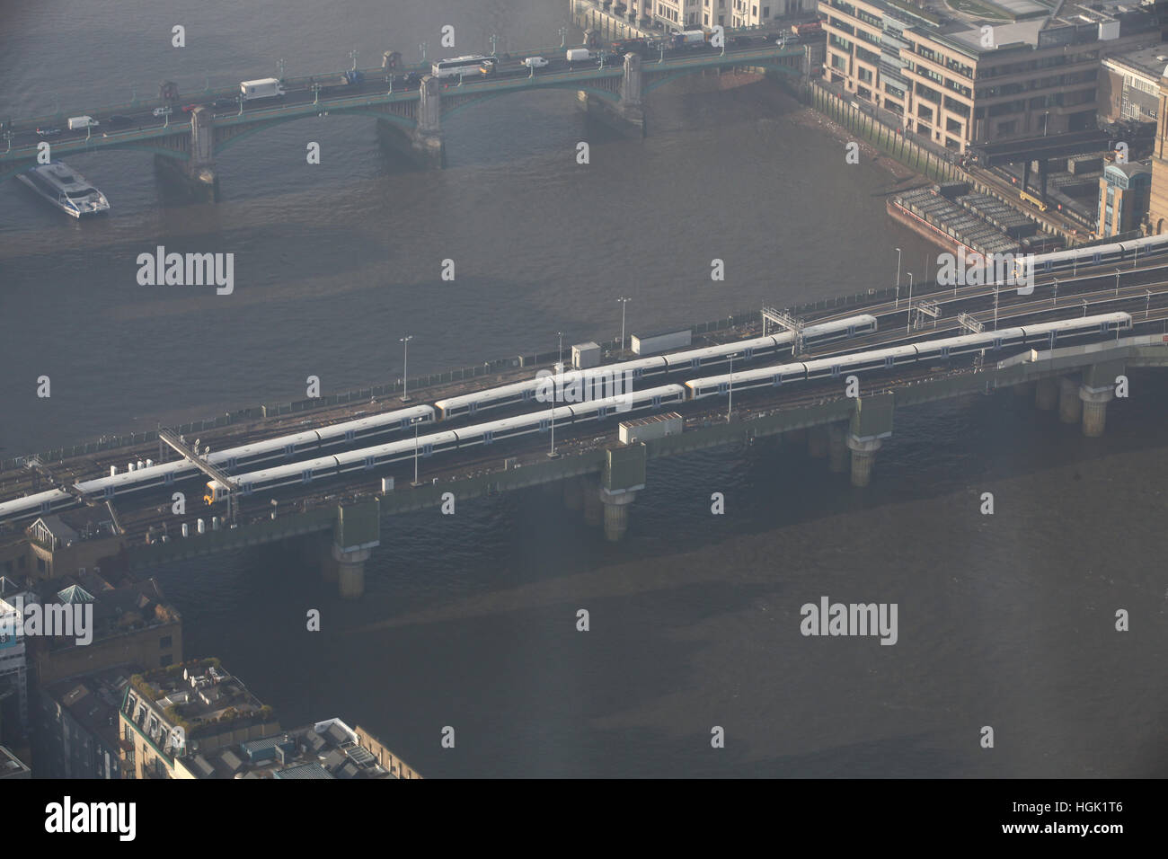 London, UK. 23rd Jan, 2017. London Bridge visible as freezing fog diminishes. Credit: Dinendra Haria/Alamy Live - Stock Image