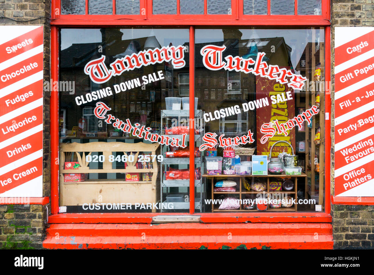 Closing Down Sale at Tommy Tuckers Traditional Sweet Shoppe. - Stock Image