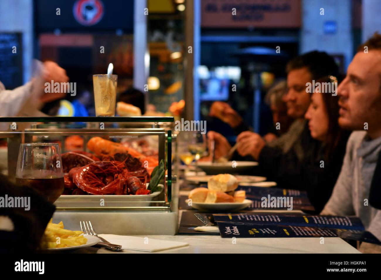 mediterran eating reastaurant market restaurand crab gourmet authentic seafood eating visitors guest - Stock Image