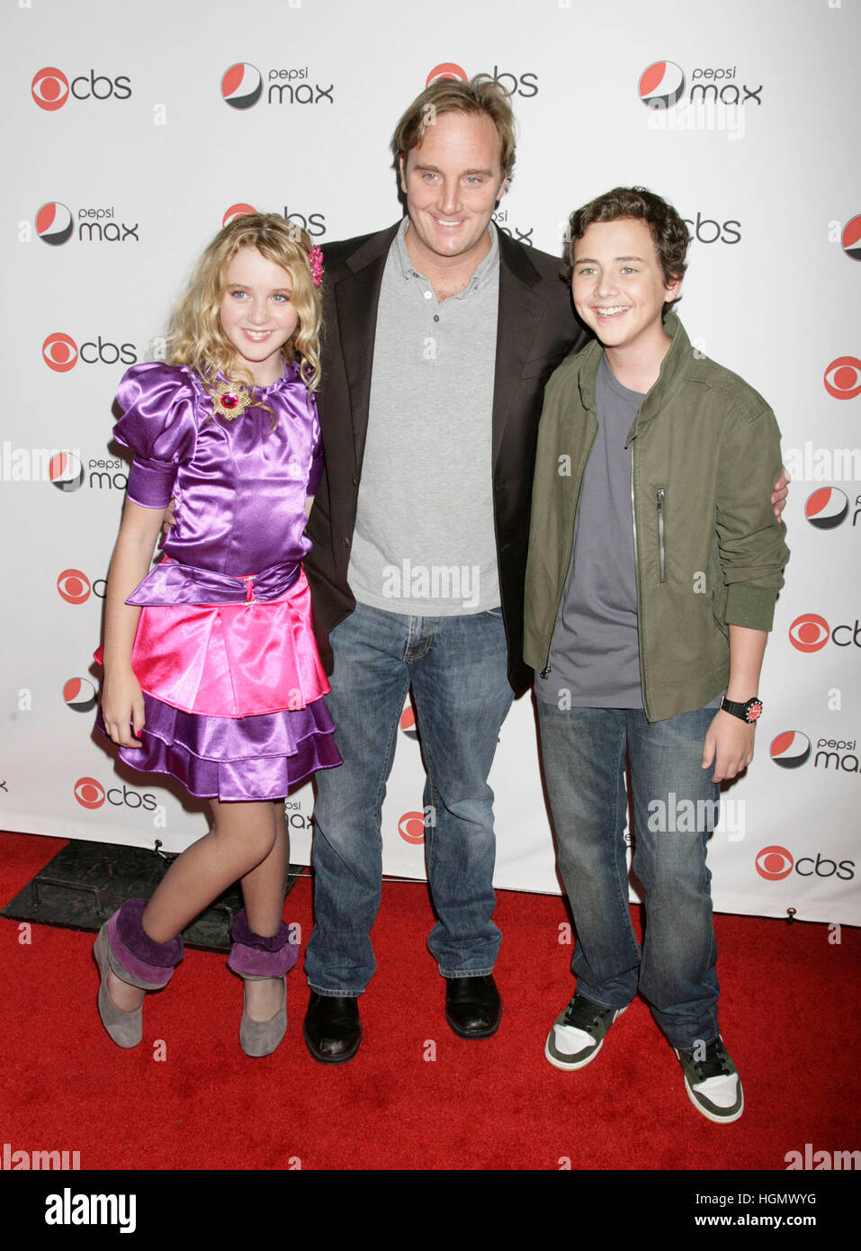 Jay Mohr, center, with Kathryn Newton and Ryan Malgarini at the CBS Premiere Party in Los Angeles, California, on - Stock Image