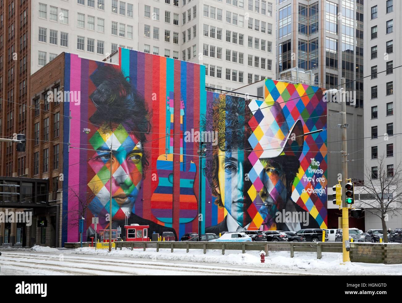 Mural of Bob Dylan by Brazilian artist Eduardo Kobra in downtown Minneapolis, Minnesota - Stock Image