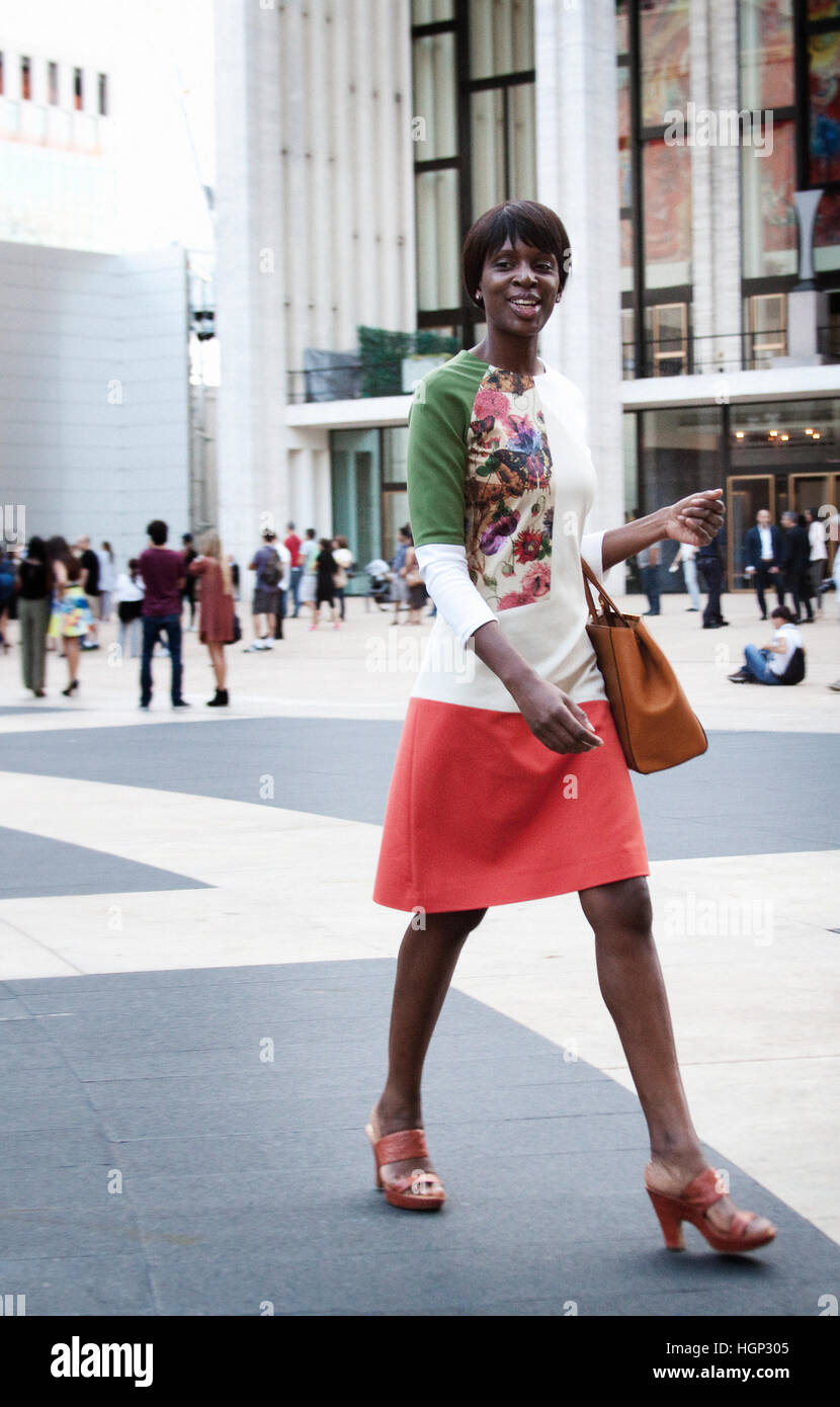 Street Style A guest arriving to the Zac Posen Spring Summer show in new York. Fashion Week - Stock Image