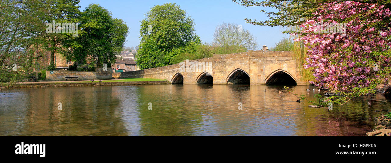 The river Wye and the stone road bridge at Bakewell Town, Peak District National Park, Derbyshire, England, UK. - Stock Image