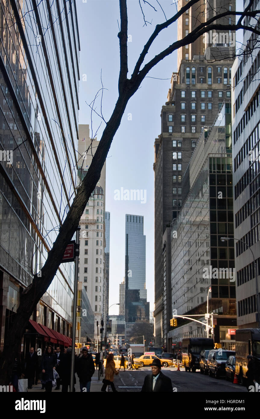 Looking West on 59th Street in New York City with the Time Warner Center in the background. - Stock Image