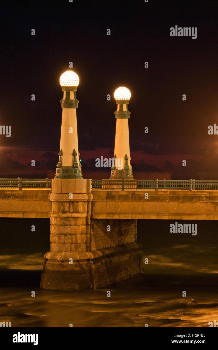 Spain bridge two lamps nightime - Stock Image