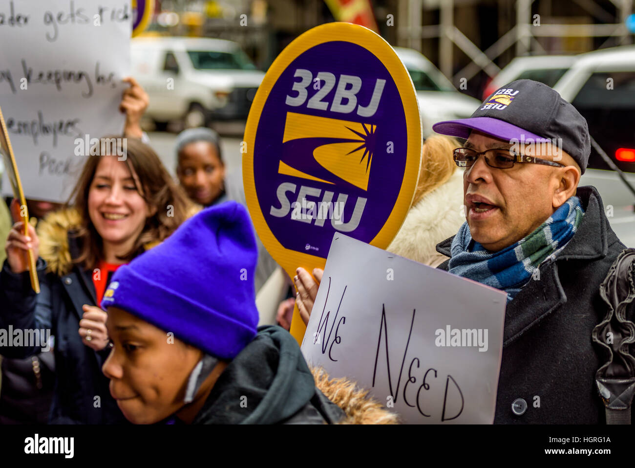 New York, United States. 12th Jan, 2017. On Thursday, January 12, 2017, NYC Fast Food Workers in the Fight for $15; - Stock Image