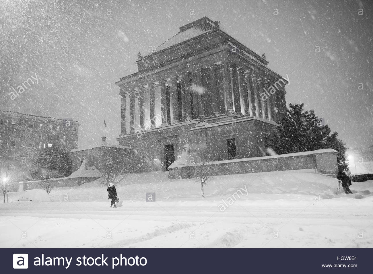 A photographer captures night photos of the House of Temple, Scottish Rite of Freemasonry on 16th Street. - Stock Image