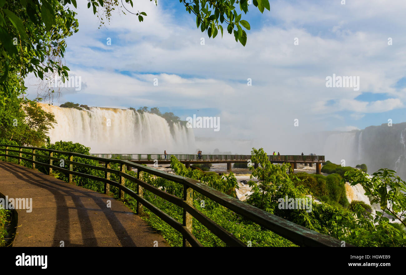 Iguassu - Devil's Throat and walkway from Brazilian side - Stock Image