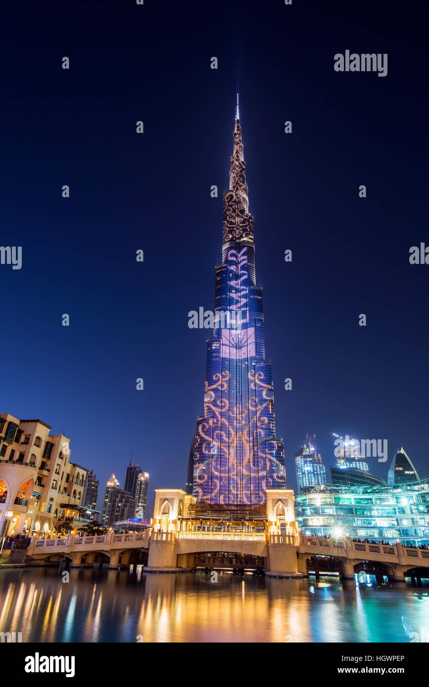 Night view of LED light show on Burj Khalifa, Dubai, United Arab Emirates - Stock Image