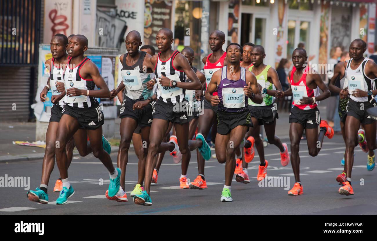 Marathoners, runners at the 2016 Berlin Marathon, Berlin, Germany - Stock Image