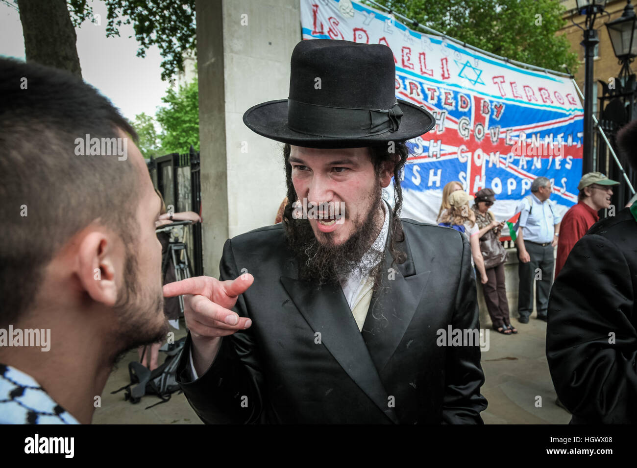 Jews Against Zionism. Protest march against the violence used by Israeli soldiers during the Gaza Flotilla Killings. - Stock Image