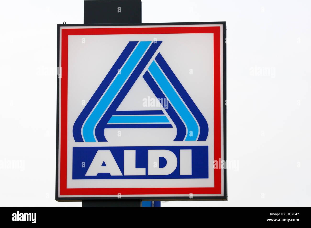 Firmenlogo der Supermaerkte und Warenhauskette ALDI, Pinneberg, Kreis Pinneberg, Schleswig-Holstein, Deutschland - Stock Image