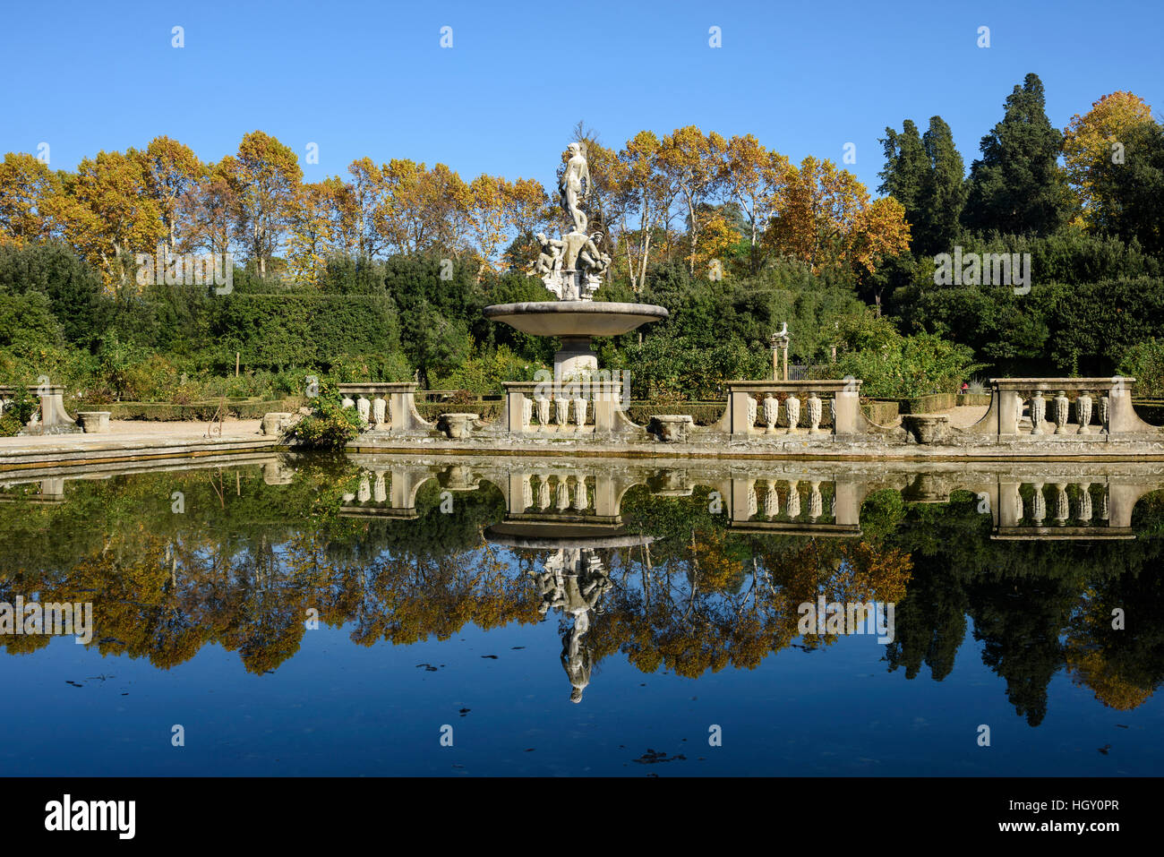 Florence. Italy. Boboli Gardens (Giardini di Boboli), the Isolotto and Fountain of Oceanus, 1571–76, by Giambologna - Stock Image