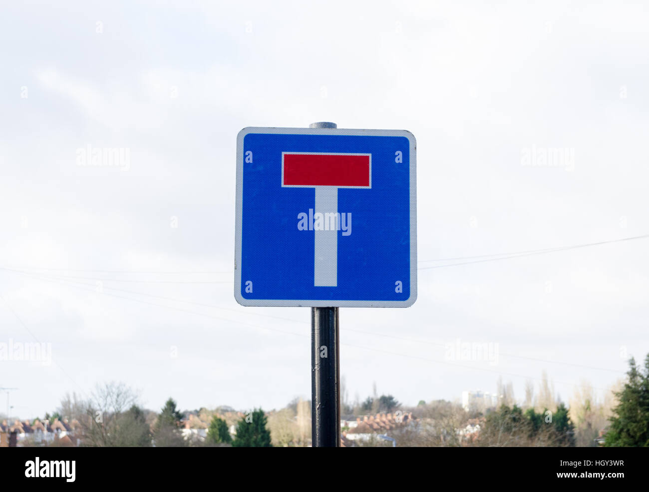Traffic sign warning that road is dead end - Stock Image