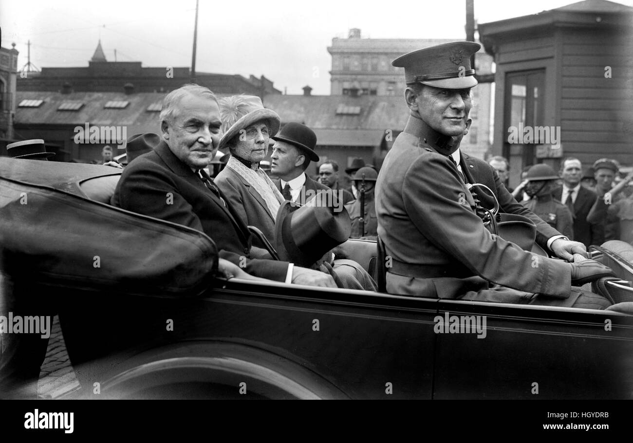 U.S. President Warren G. Harding and First Lady, Florence Kling Harding, Portrait in Backseat of Car, enroute to - Stock Image