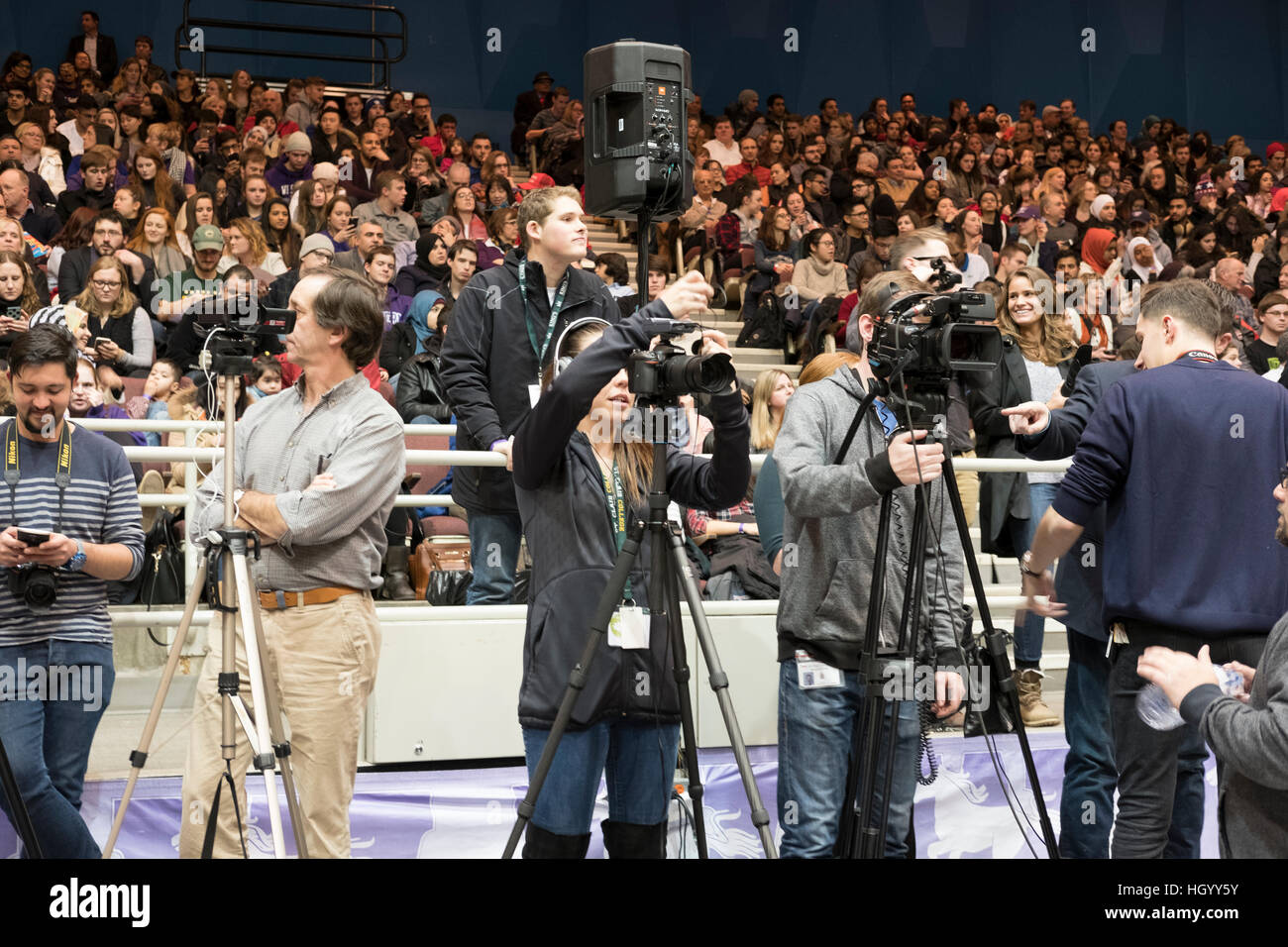 London, Ontario, Canada, 13th January, 2017. Members of the press wait for the Prime Minister of Canada, before - Stock Image