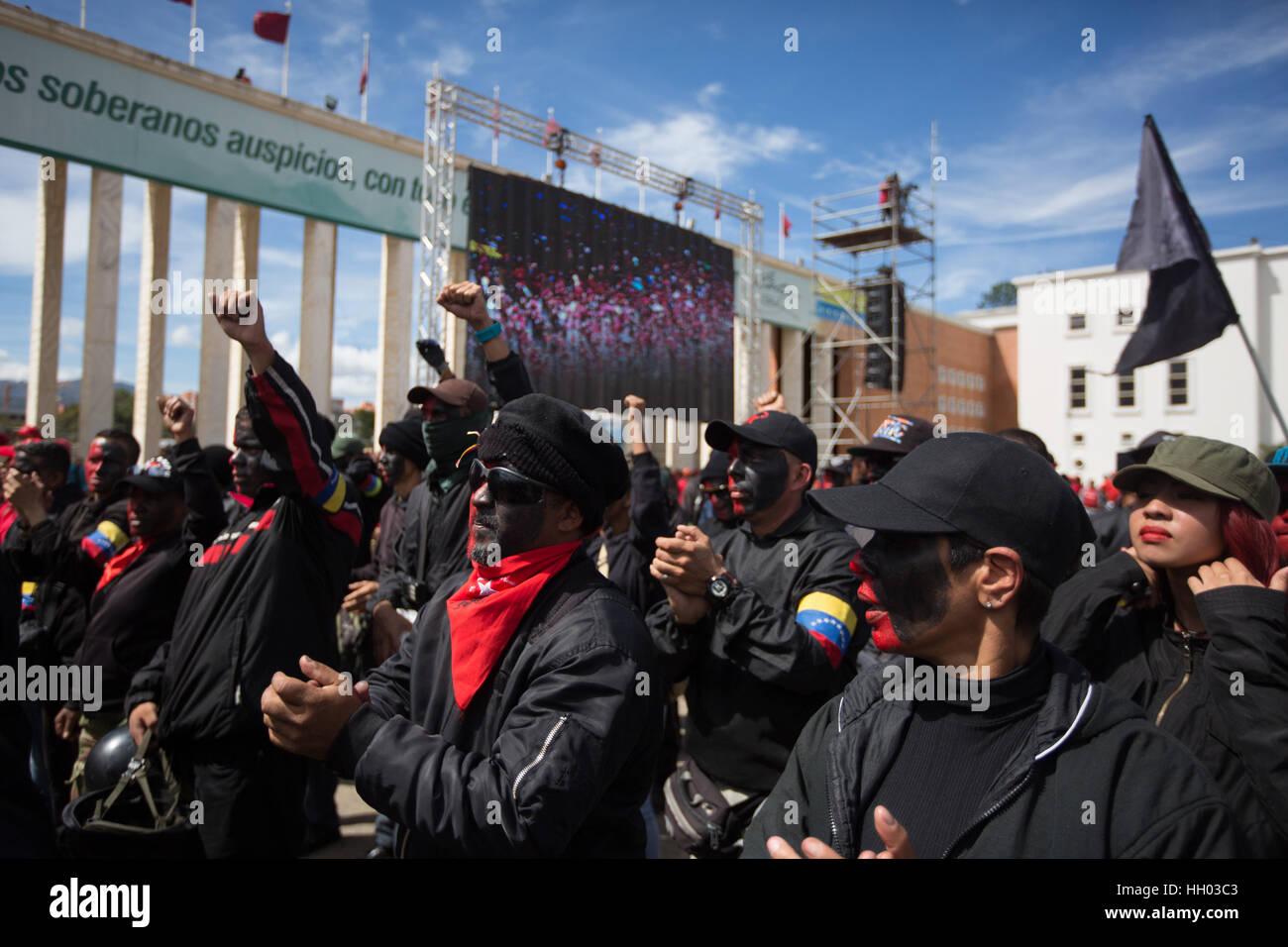 Caracas, Venezuela. 14th Jan, 2017. Supporters of Venezuelan President Nicolas Maduro participate in the Zamora - Stock Image