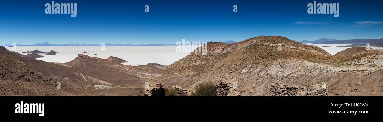 Panorama of the Salar de Uyuni as seen from a viewpoint of ancient ruins, Altiplano, Bolivia - Stock Image